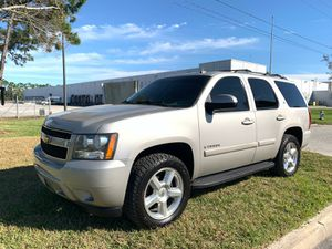 Photo 2007 CHEVROLET TAHOE LTZ. LIMITED🔸 5.3L V8🔸 Leather 165k miles🔸DVD🔸Automatic Sunroof🔸2WD🔸Passengers: 7 Backup Camera🔸Alloy Wheels