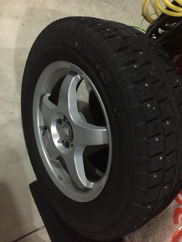 4 Snow Tires W Mb Wheels 235 65 R17 Cooper Discoverer M S