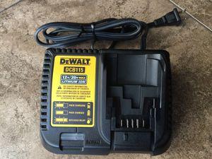 Photo Dewalt 20 Volt battey charger 12 volt to 20 volt charger Dewalt battery charger
