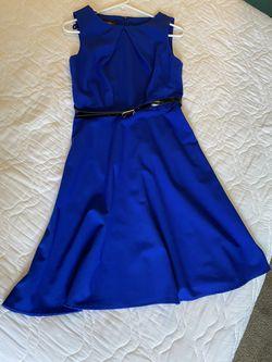 Women's Size 6 Dress Thumbnail