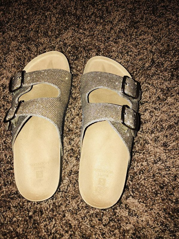 b70215ae016b16 Gold brand new sandals and guess shoes (Clothing   Shoes) in Fresno ...