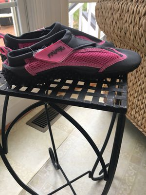 Girls size 6 gray and pink water shoes for Sale in Centreville, VA