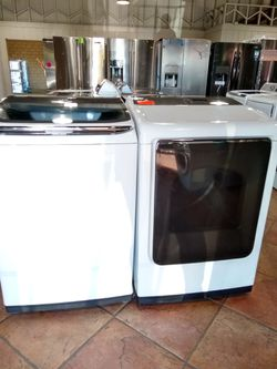 NEW SAMSUNG ACTIVE WASH AND GAS DRYER Thumbnail