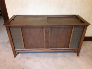 Photo Vintage stereo console cabinet, no electronics