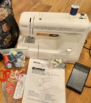 Photo Pristine Sears Kenmore Sewing Machine + tons of extras!