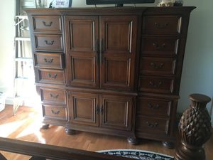 4 piece bedroom set for Sale in Clifton, VA