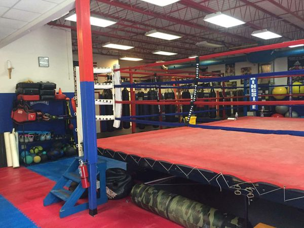 Ringside, Boxing ring and custom bag stand for Sale in Orlando, FL - OfferUp