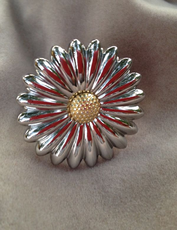 Brand New Reduced Qvc Sz 9 Stainless Steel Cute Daisy Flower