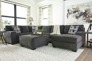 Photo Ashley Furniture Sectional Sofa (Ottoman is not included)
