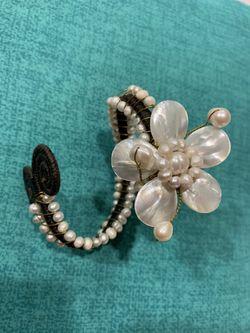 Jewelry, Bracelets Thumbnail