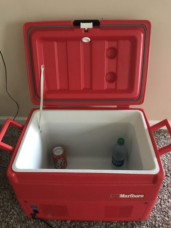 VINTAGE MARLBORO ELECTRIC HOT AND COLD COOLER for Sale in