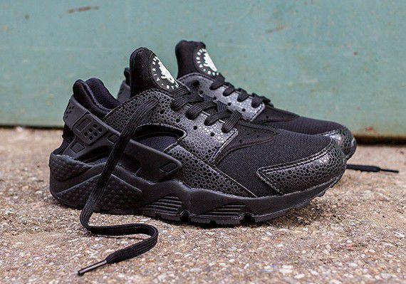 Size 5 Women's Huarache Shoe