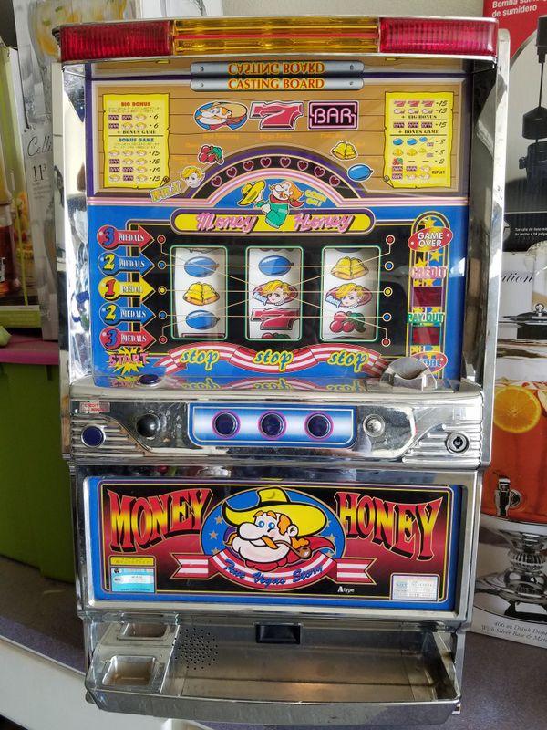 Honey Money Slot Machine