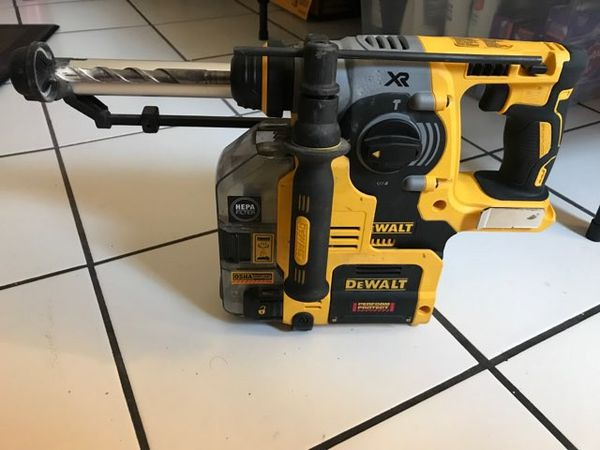 DEWALT DCH273 - 20V SDS Rotary Hammer with Dust Extractor for Sale in San  Diego, CA - OfferUp