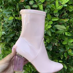 Trendy Pink boots Thumbnail