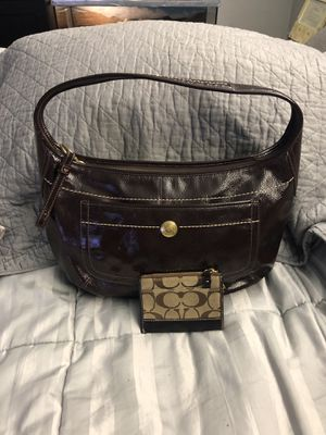Shoulder bag with mini ID wristlet for Sale in Silver Spring, MD