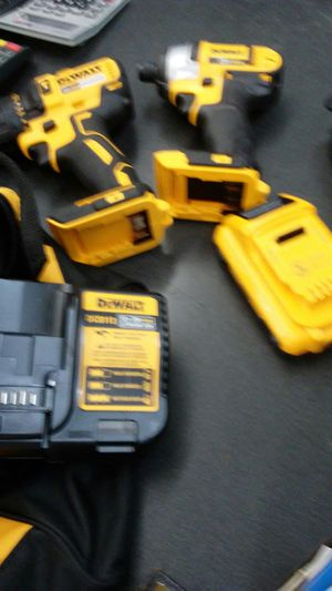 Dewalt 20v max lithium ion drill and impact driver kit for Sale in Orlando, FL