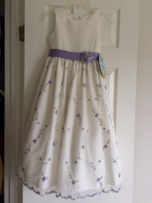 NWT Cinderella Cream/Purple Flower Girl Dress Sz 7 for Sale in Fairfax Station, VA