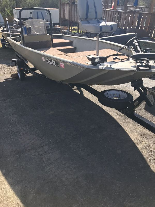 2002 crest line fishing boat