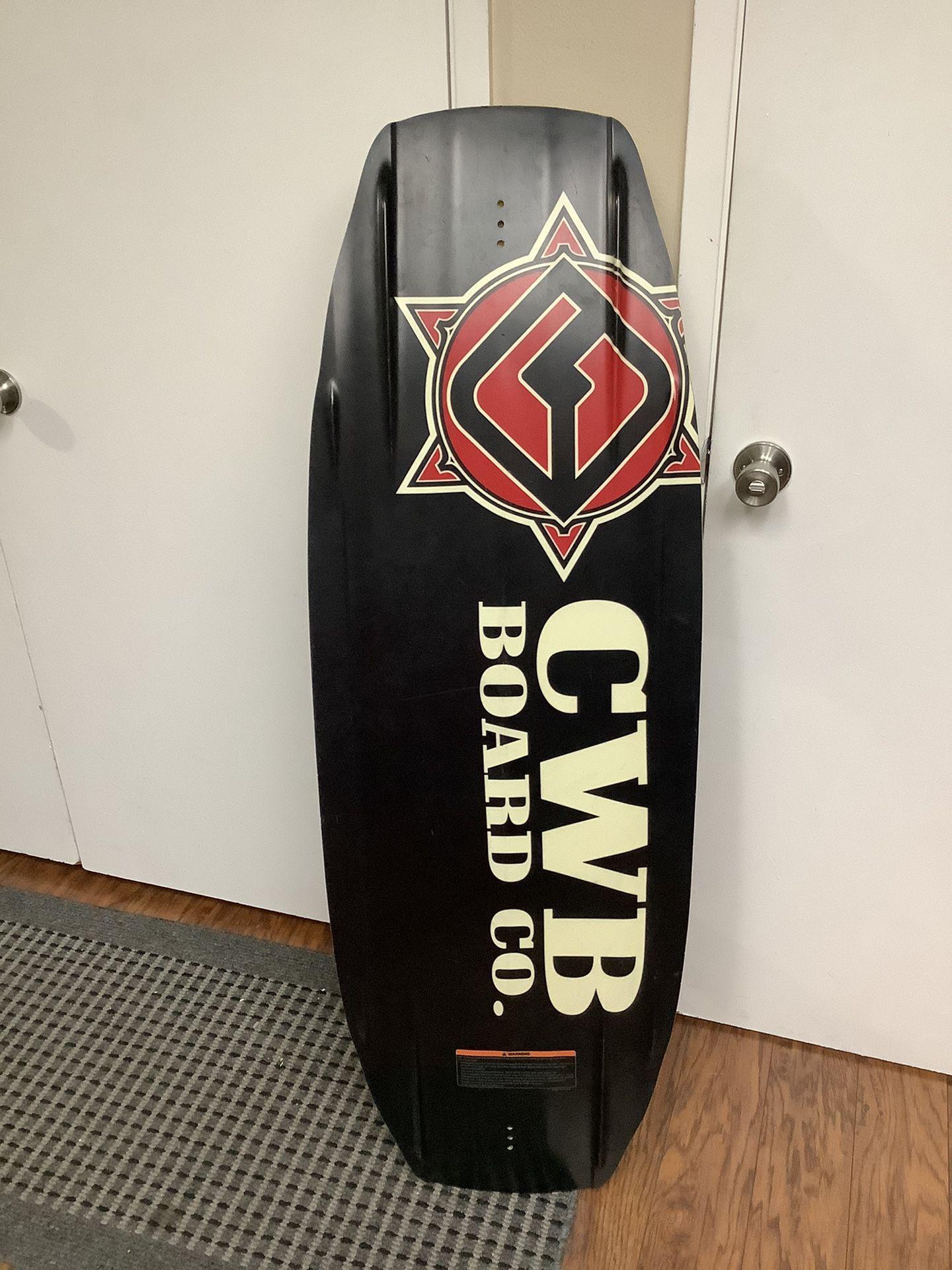 134 cwb Faze wakeboard men's 5-8 cwb Toro bindings