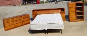 Exotic Tigerwood! California King Bedroom Set for Sale in Wenatchee, WA