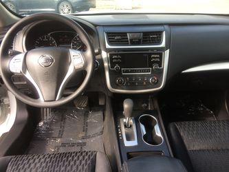 2016 Nissan Altima Thumbnail