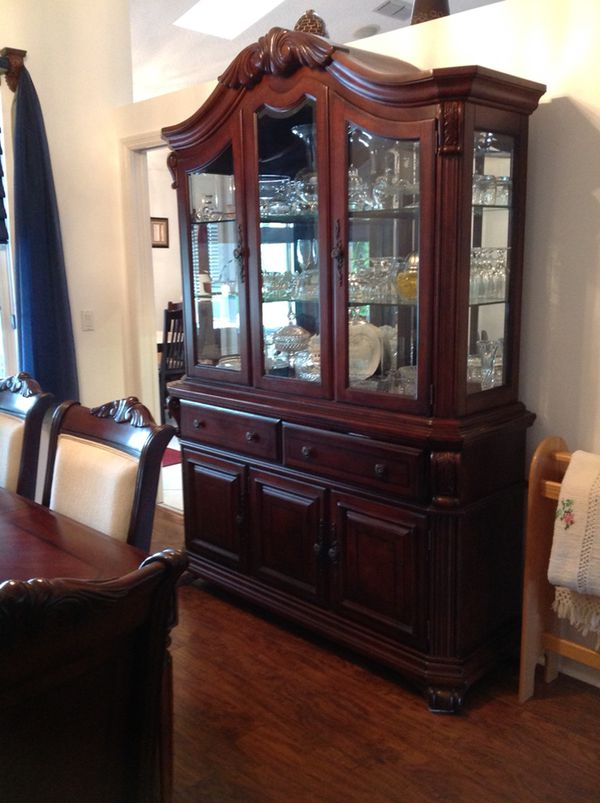 Broyhill Corbella Dining Room Set Table With Extra Leaf And Pads Six Chairs And China Cabinet 1500 Or Best Reasonable Offer For Sale In Gainesville Fl Offerup