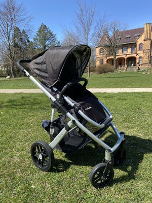 Photo Uppababy vista stroller with Uppababy Mesa car seat and accessories