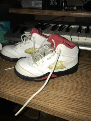 Air Jordan V (5) retro Fire Red Sz 7C for Sale in Washington, DC