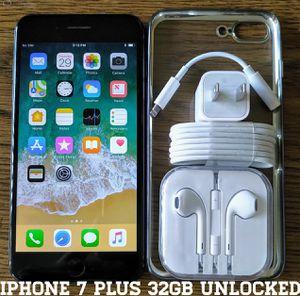 Iphone 7 Plus 32GB GSM UNLOCKED + Accessories for Sale in Falls Church, VA