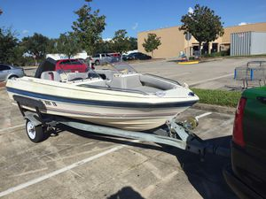 14 Foot Bayliner with trailer 75 hp Motor great condition for Sale in Saint Cloud, FL