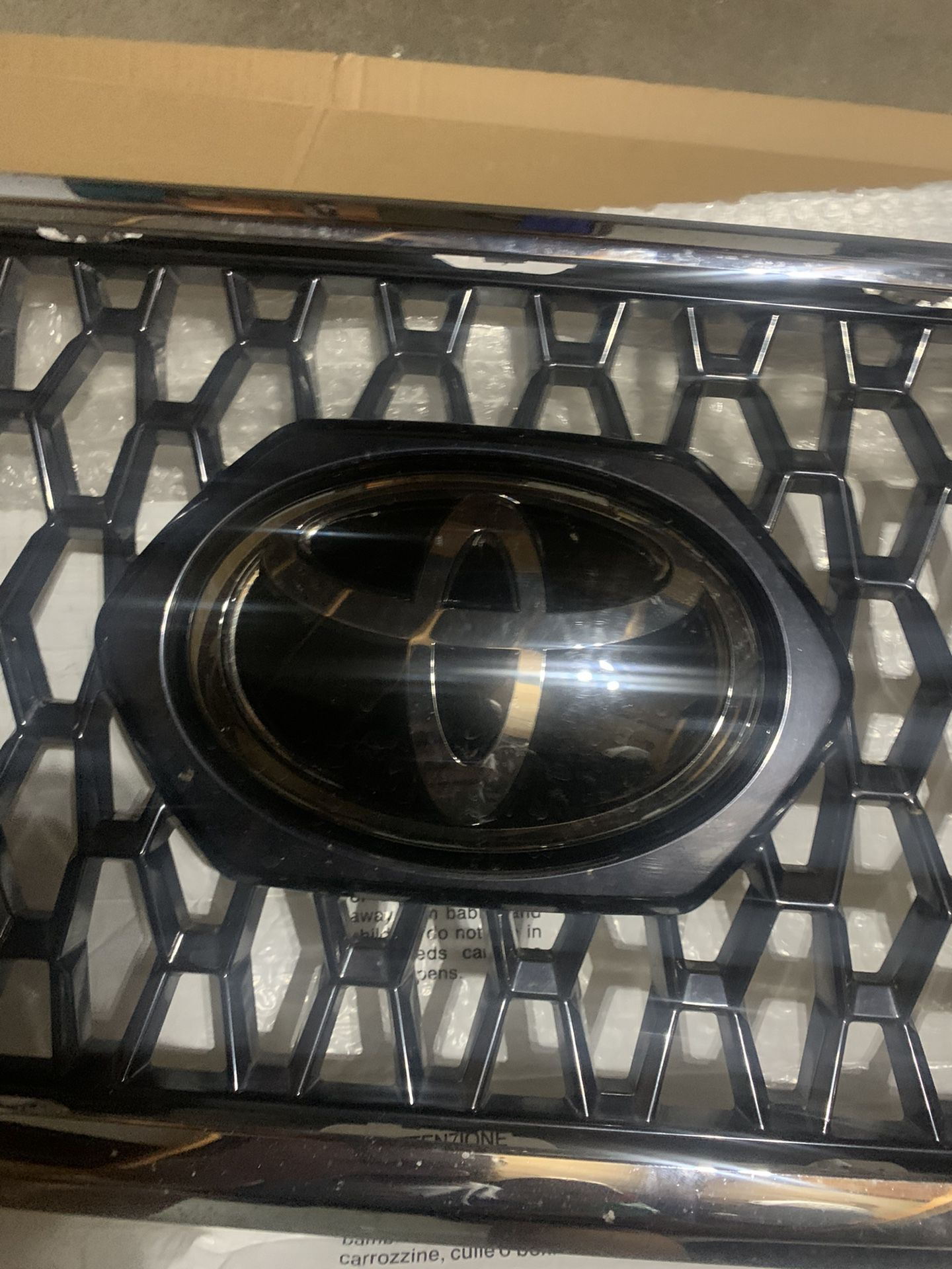 OEM Tacoma TRD-Off-road Grill