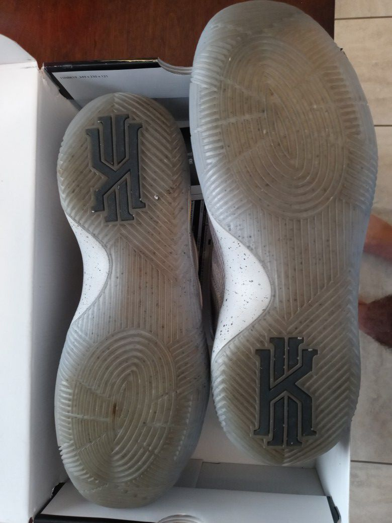 Kyrie 2 size 12