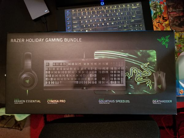8971895ac0e Razer Holiday Bundle! Headphones, Mouse, Keyboard, Mouse Mat. **BRAND NEW**