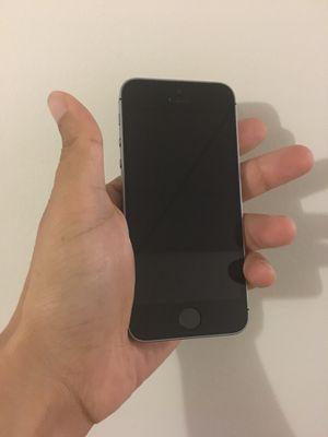 Carrier unlocked iPhone SE 32GB for Sale in McLean, VA