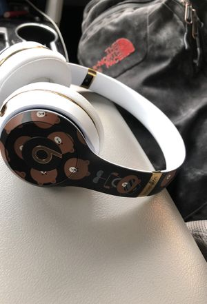 Beats solo3 wireless, best offer for Sale in Chicago, IL