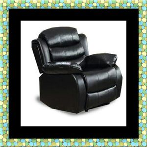 Black recliner chair for Sale in Washington, DC