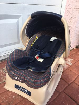 "Photo Car seat "" Graco"" Snugride, literider travel Great price!! $10 -we located in Miami Beach off 94 street /Collins Ave"