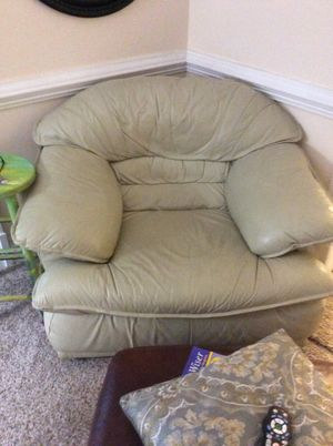 Leather Love seat, couch, chair set for Sale in Chesterfield, VA
