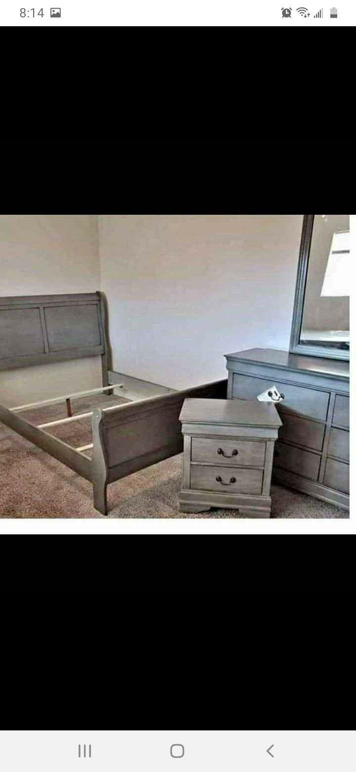 New Grey Queen 4pc Bedroom Set
