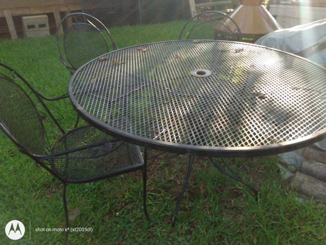 Vintage Wrought Iron Table - Chairs