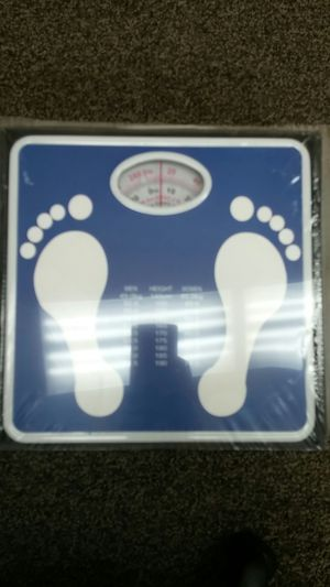 Bathroom Scale 10ct case for Sale in Chandler, AZ