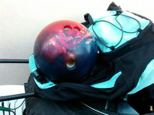 2 BOWLING BALL for Sale in Las Vegas, NV