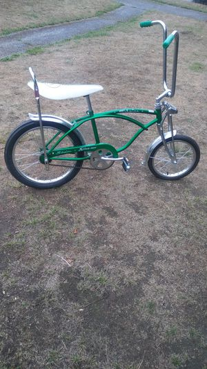 2007 repop schwinn rode 5 times max needs to be cleaned $200$ for Sale in Tacoma, WA