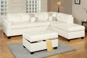 Reversible Sectional w/ ottoman for Sale in Miami, FL