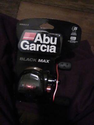 Abu Garcia black max for Sale in Farmville, VA