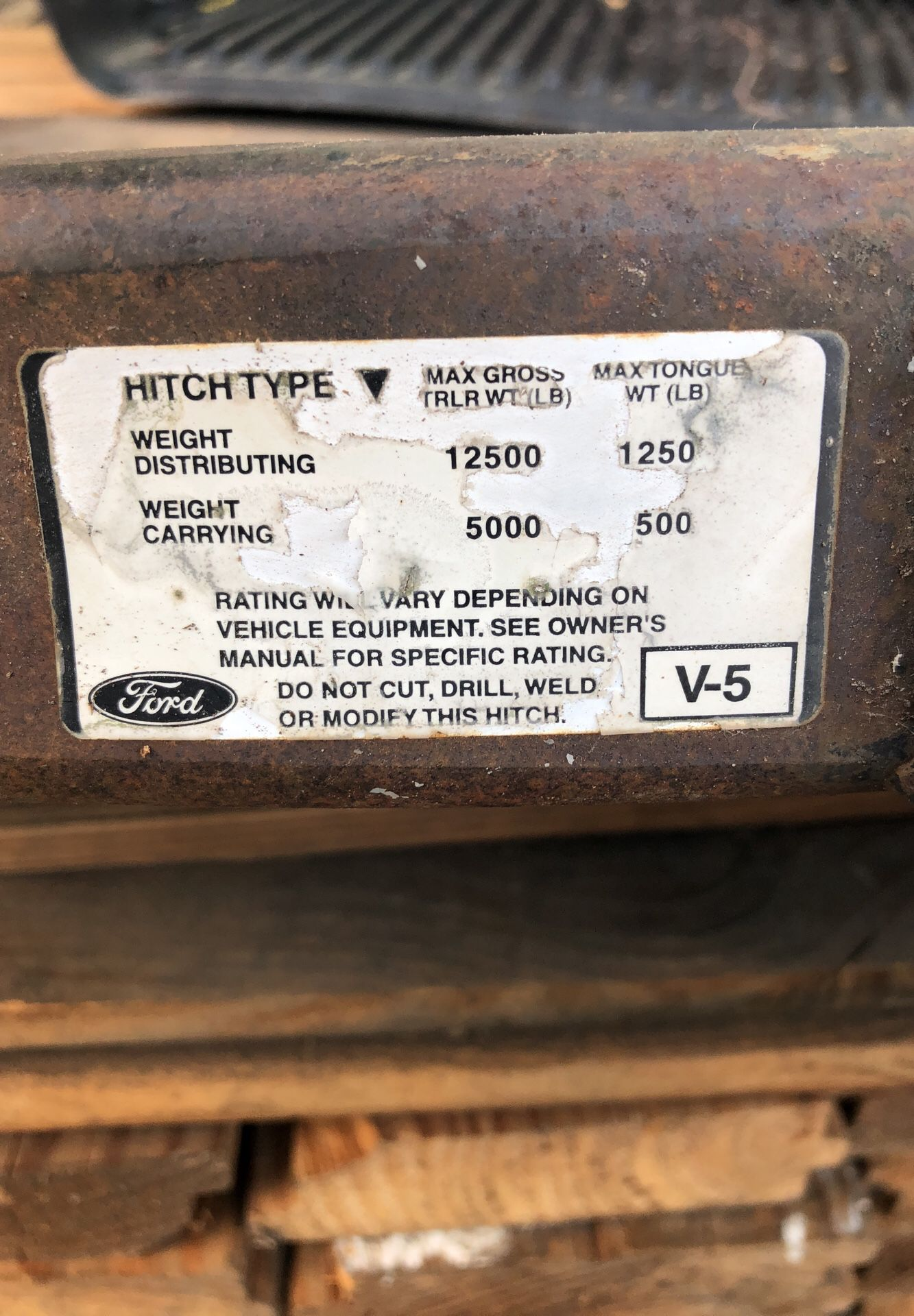 Ford dually trailer hitch