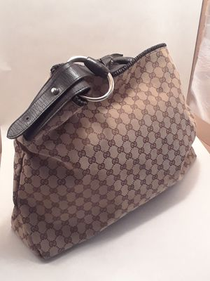 fb6340ac7fd New and Used Gucci bag for Sale in Tyler