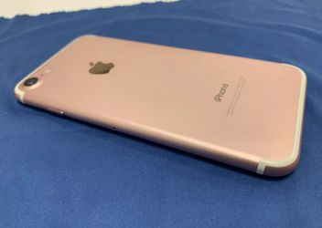 Apple iPhone 7 Unlocked Rose Gold Thumbnail