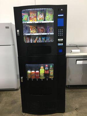 maquina de refrescos y botanas for Sale in Dallas, TX